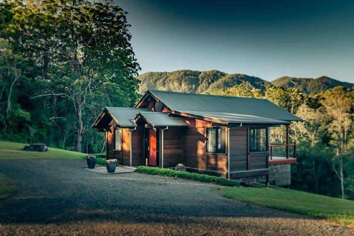 The Ridge 2 Bedroom Chalet @ Promised Land Retreat