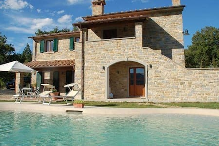 Tuscan Villa with Spectacular View - Caprese Michelangelo - Casa de camp