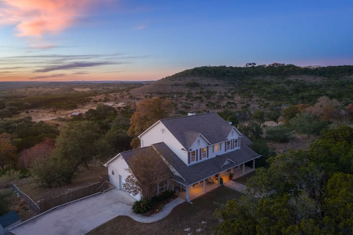 Sunset Hill: Incredible Sunset View Over Wimberley