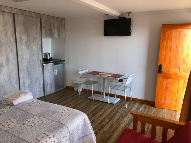 3.- Mini departamento y Habitaciones baño privado