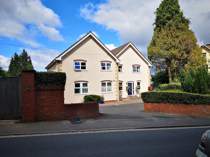 Priory Rd Retreat in Great Malvern,