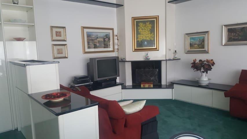 Villa a San Donato Milanese