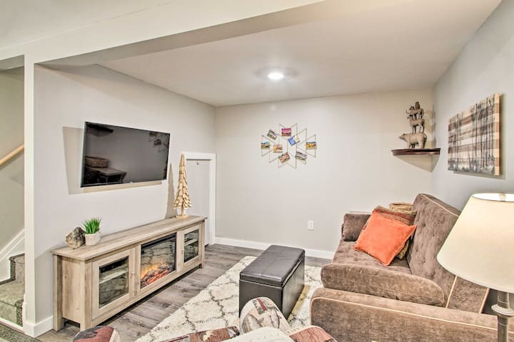 Renovated Home w/Direct Access to Snowmobile Trail