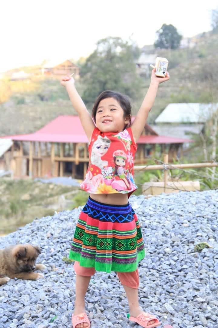 Flower Hmong little girl