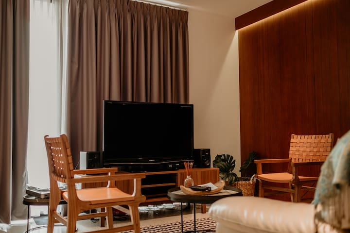 2BR Modern Design Apartment with view of Monas