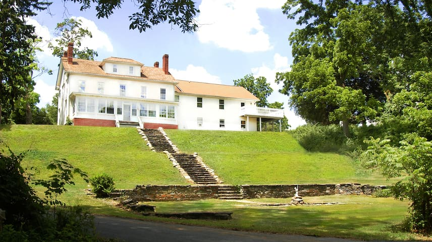 1859 Estate-Pool/HotTub/Weddings/Retreat/27ppl - Monroe
