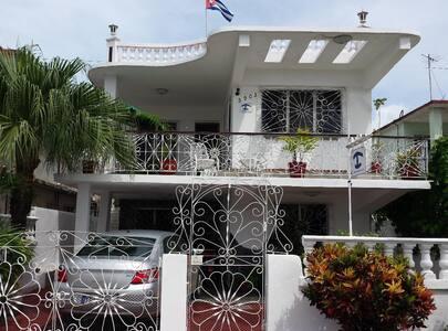 Hostal Casa Blanca - Cienfuegos - Hus