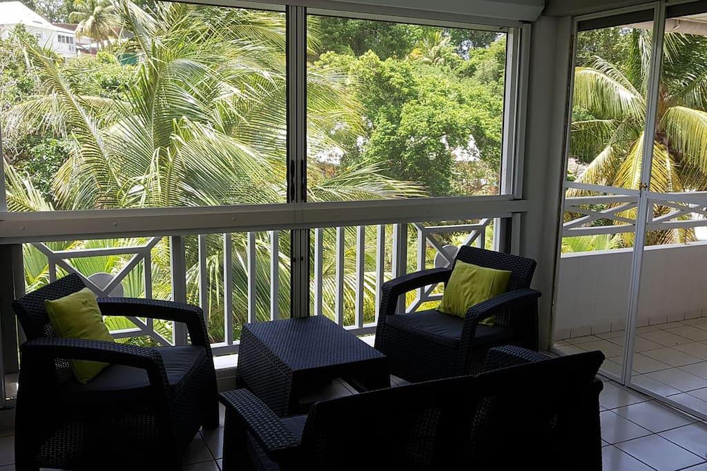Terrasse protégée des moustiques