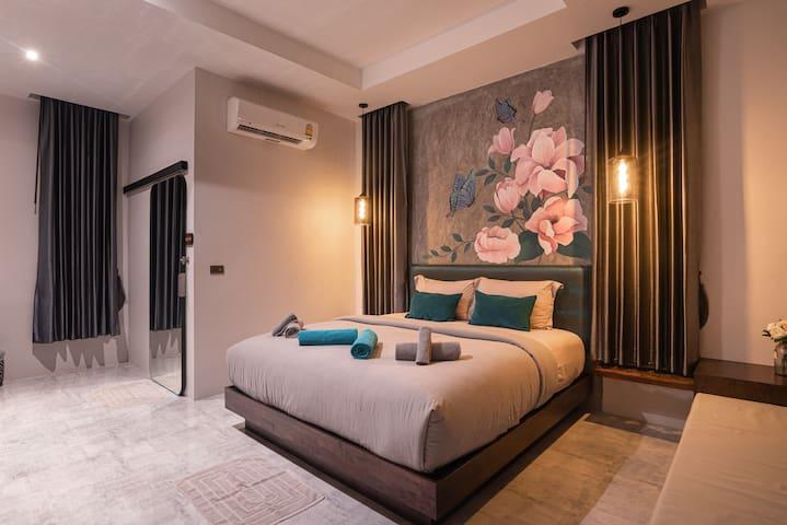 Luxury Pool Villa (III)