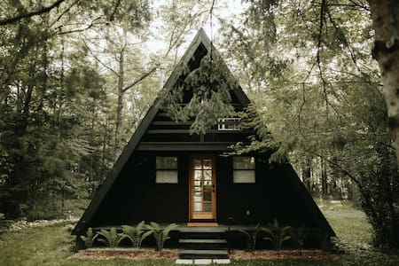 LILLA NORR // AN A-FRAME IN THE WOODS