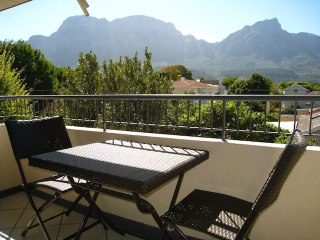 Claremont,Incredible View,Sunny,Walk to Cavendish - Cape Town - Apartemen