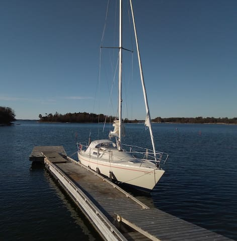 Sailingboat in a famous Gest harbour for 3-4 per