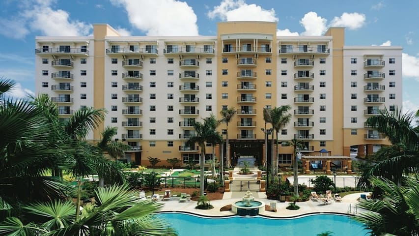 W-Palm Aire 1 Bedroom (Royal Palm & Queen Palm)