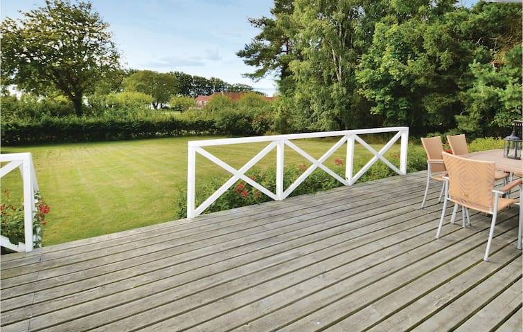 Holiday cottage with 2 bedrooms on 83 m² in Vordingborg