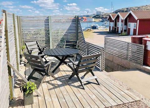 Havsnära lägenhet på den lugna ön Smögen