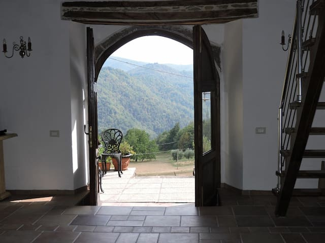 Casa Castagno, Tuscan Getaway with Beautiful Views - Bagni di Lucca - Casa