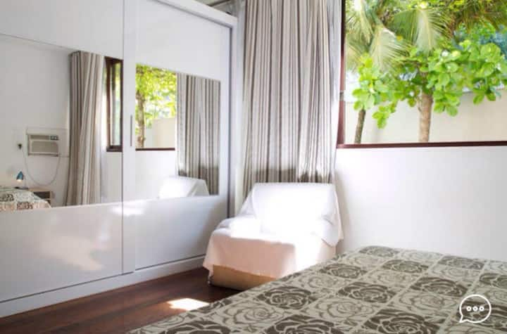 Private suite in front of Barra beach/monthly /day