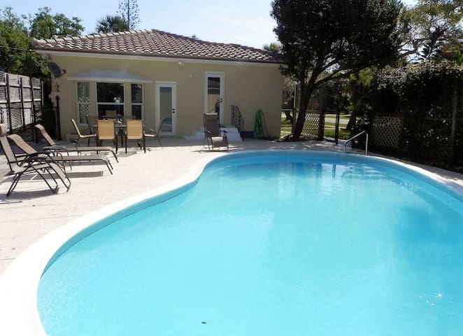 Private 3 Bdrm 2 Bath Home W/Pool