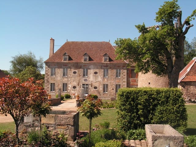 château de Sallebrune - Beaune-d'Allier - Bed & Breakfast