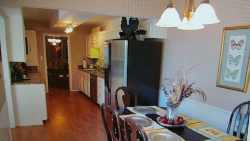 The Dutch Pad - McAllen - Apartment