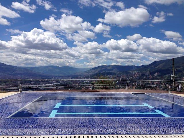 LUXURY VILLA - Medellin - Villa