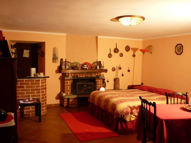 Cozy room, beautiful country house - Villar Pellice - Huis
