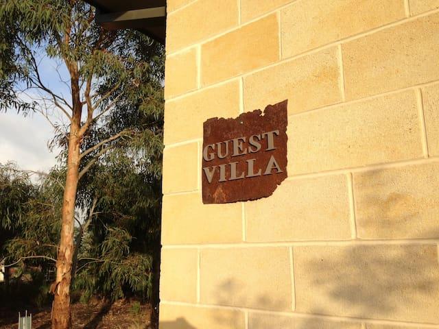 Ocean Acres Guest Villa