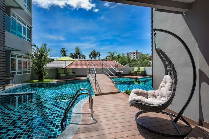 Amazing mountain view 2 bedroom apartment@Nai Harn