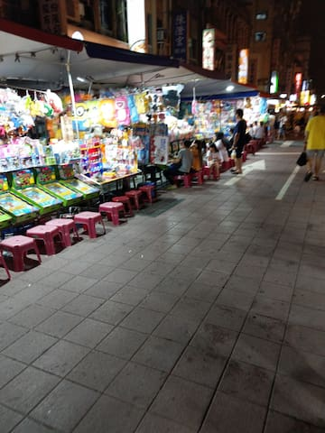寧夏夜市童趣的一角