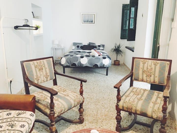 Room in historic center 2
