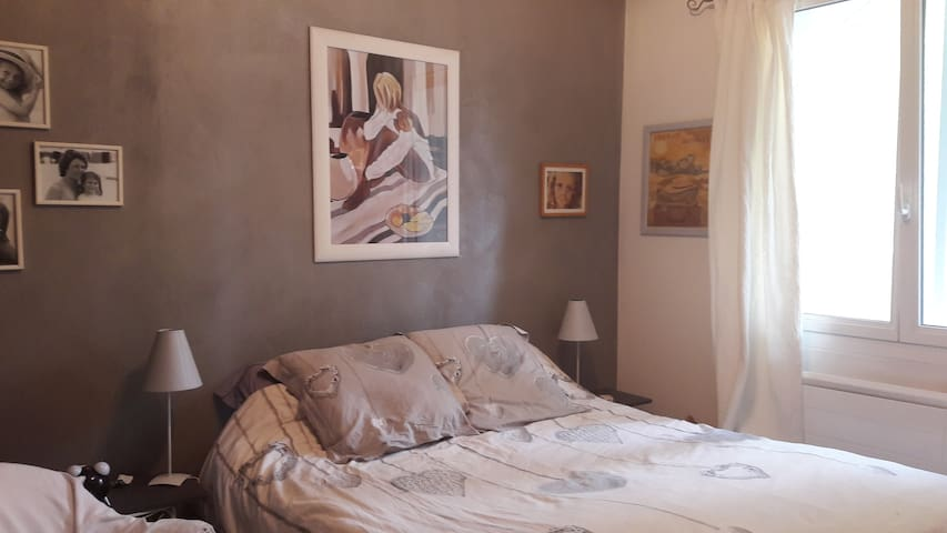 Chambre au calme, proche centre, ambiance cosy - Cassis - Wikt i opierunek