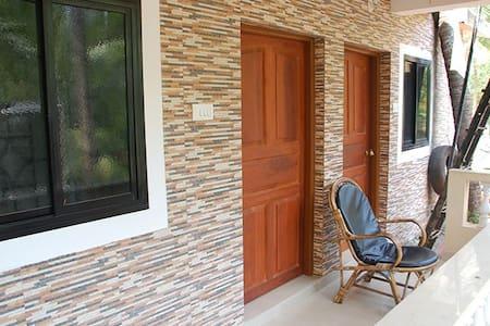 Private room near beach - คาลังกูท - วิลล่า