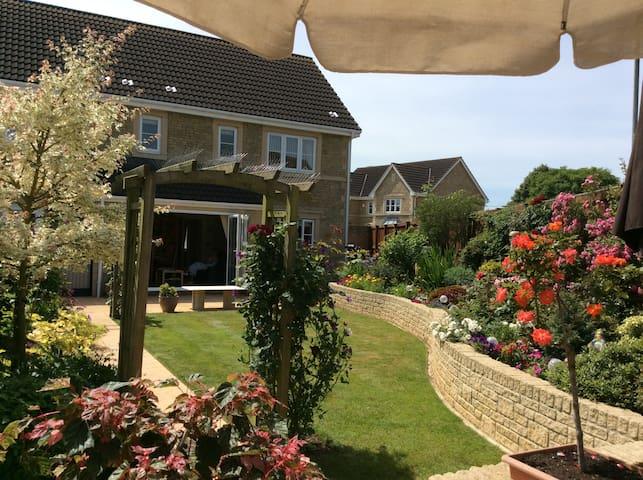 New Garden Apartment in Historic Village near Bath