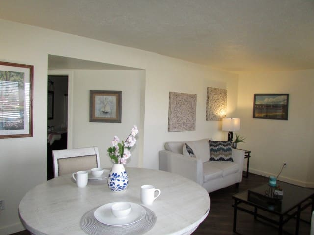 Superior Bay Boutique Motel Suite #11