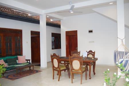 Appartement - Thenu Villa - Hikkaduwa - Sri Lanka