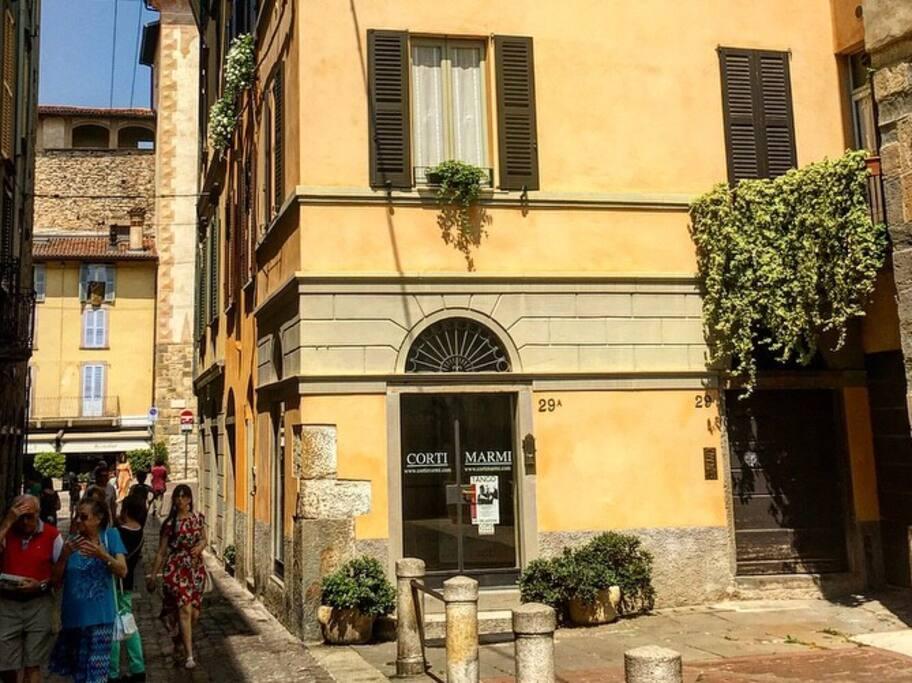 Vista esterna / Street view