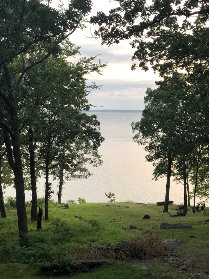 Lakefront home - Beautiful view at The Longbow