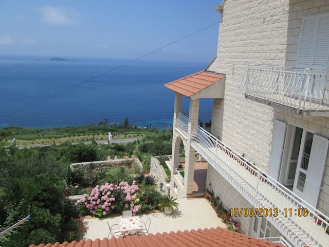 Apartment Marija with amazing view for 8 people! - Mlini - Wohnung