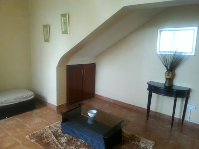Comfortable furnished foyer with lots of light
