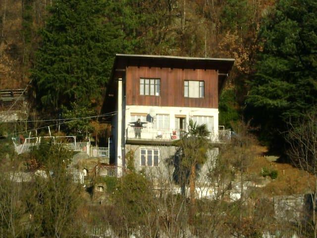 Villetta immersa nel verde  - Corio - Cabin