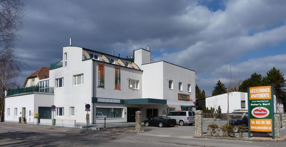GÄSTEZIMMER nahe STADTRAND WIEN - Perchtoldsdorf - บ้าน