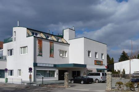 GÄSTEZIMMER nahe STADTRAND WIEN - Perchtoldsdorf