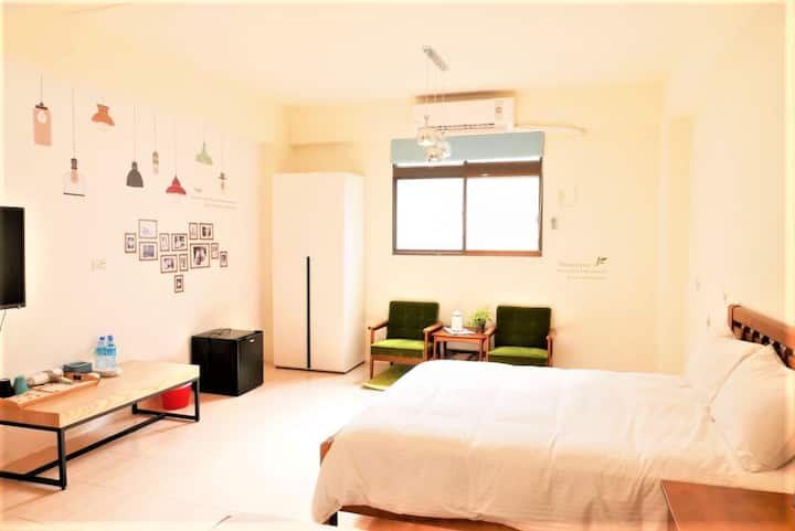 Taichung Meeting Happiness--House for 16-18 People