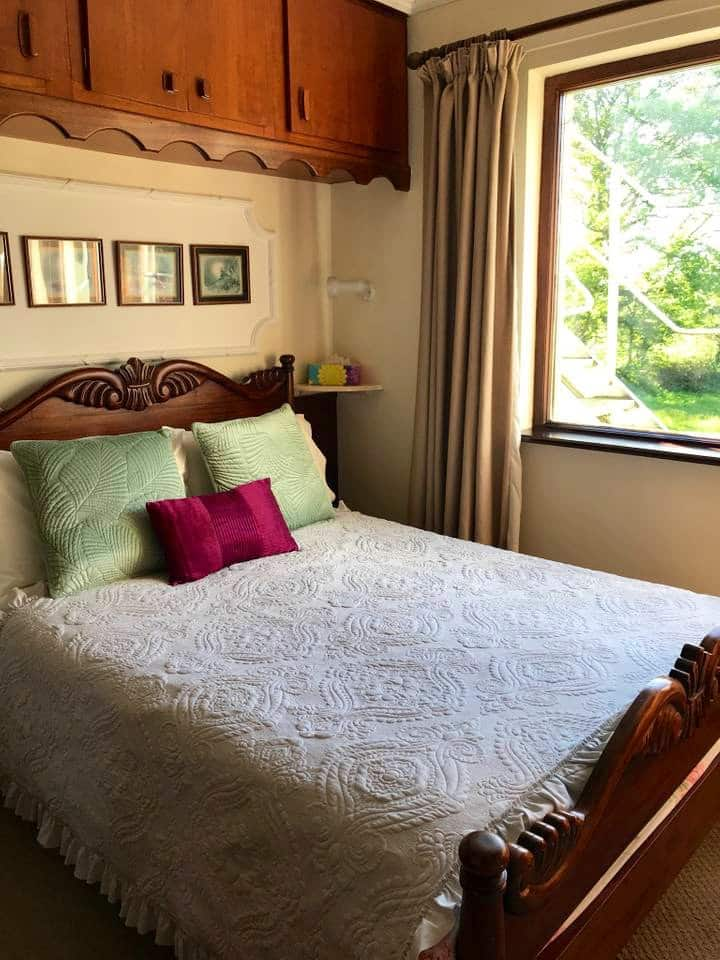 Double room in tranquil setting with breakfast