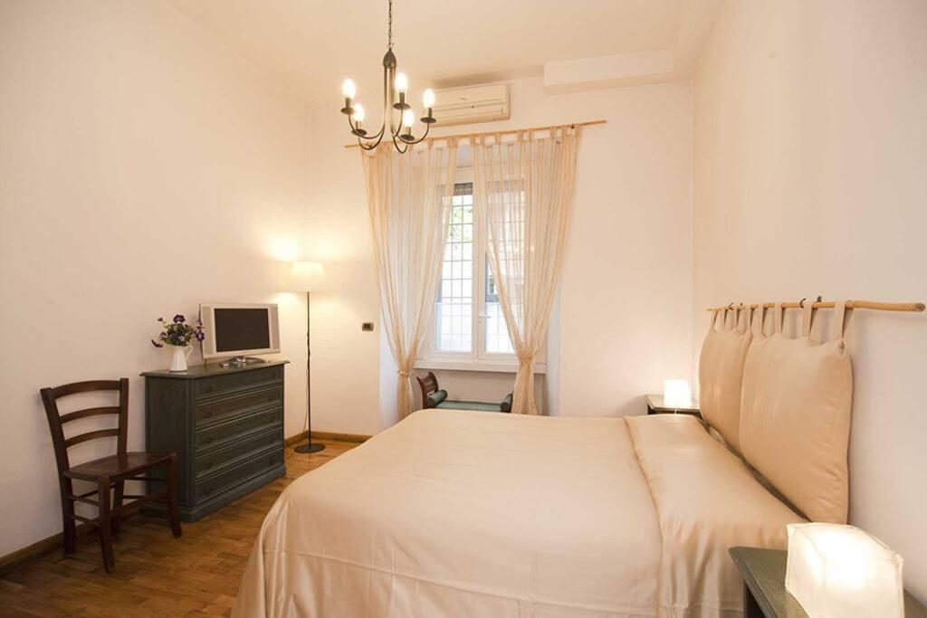 Stanza matrimoniale con  bagno in camera e possibile letto aggiunto