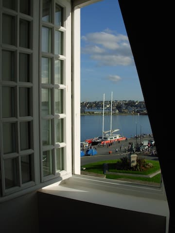 Duplex in walled-city with sea view - St-Malo - Apartament