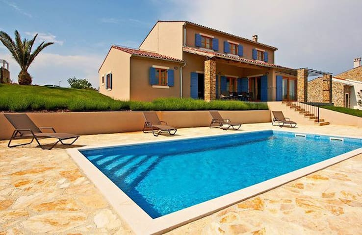 Luxury Detached Istrian Villa   - Buje - Villa