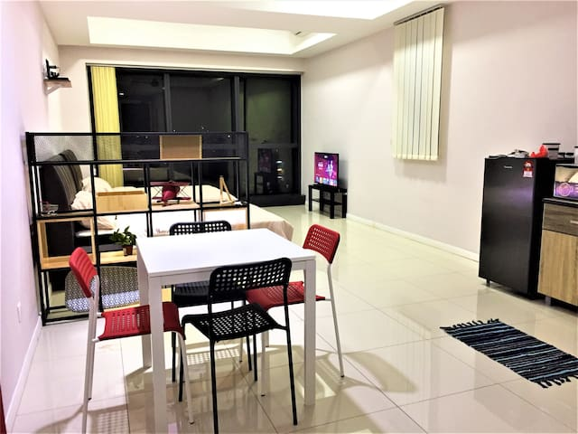 Leisure Home Apt @ PJ ~ Family Studio (Near Sunway Pyramid)