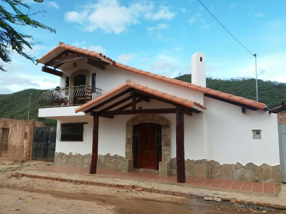 Resting in the valleys casa rustica rustic house for Casa la mansion santa cruz bolivia