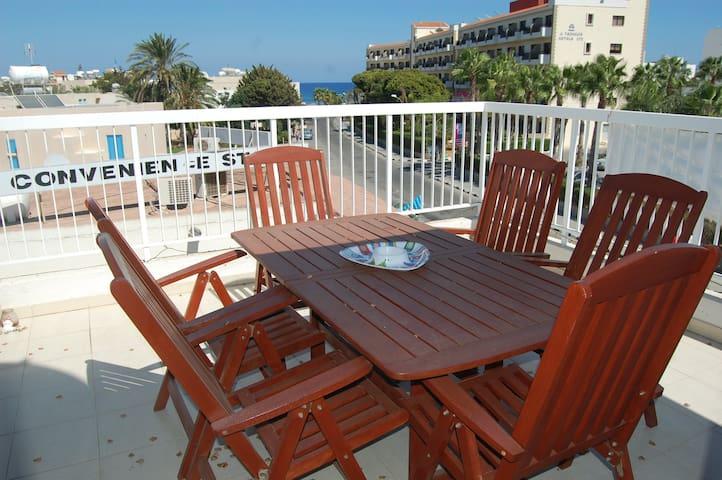 BLUAPT33 3 Bed Apt 200m from Beach - Pernera - Apartamento